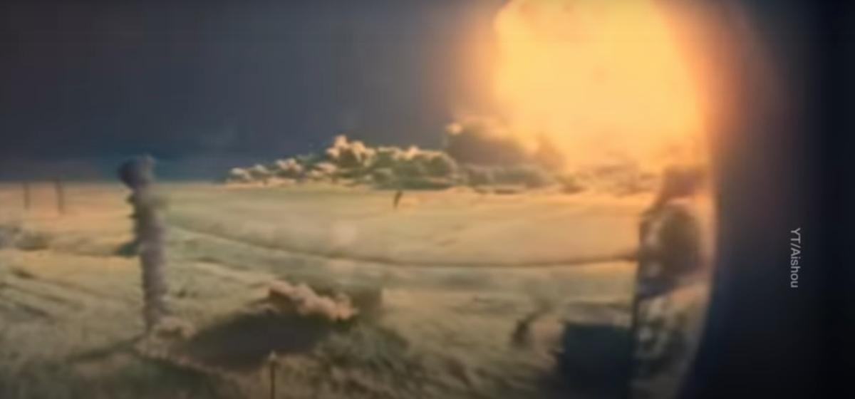 Одно из самых известных видеоиспытаний ядерного оружия раскрасили нейросетью. Вот что получилось