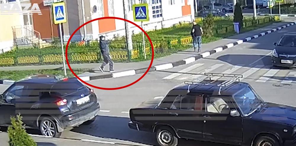 В Подмосковье белорус пытался застрелить соседа посреди улицы. Видеофакт