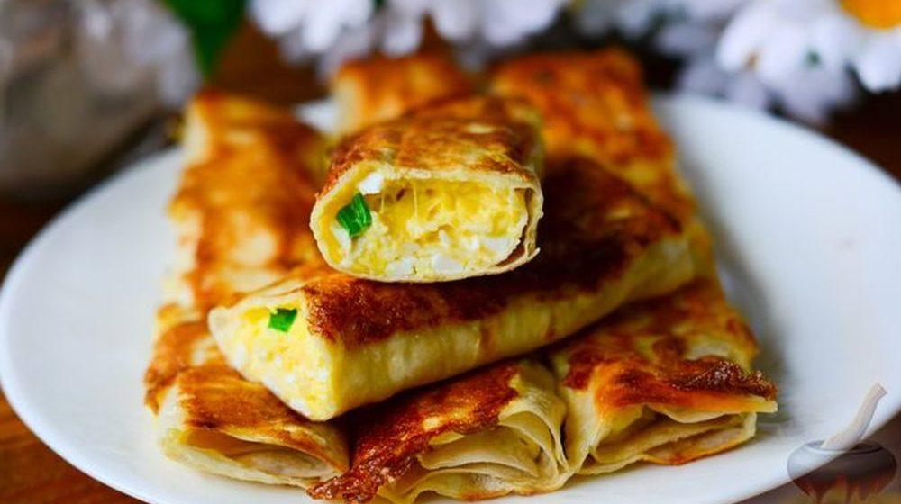 Вкусно и быстро. Трубочки из лаваша с сыром и яйцами