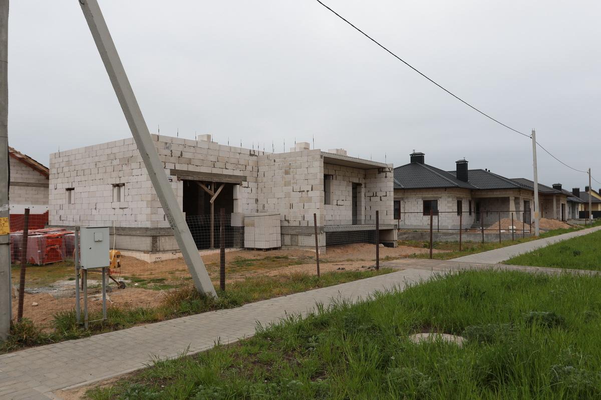 Строительство индивидуальных жилых домов в микрорайоне Боровки. Фото: Александр ЧЕРНЫЙ