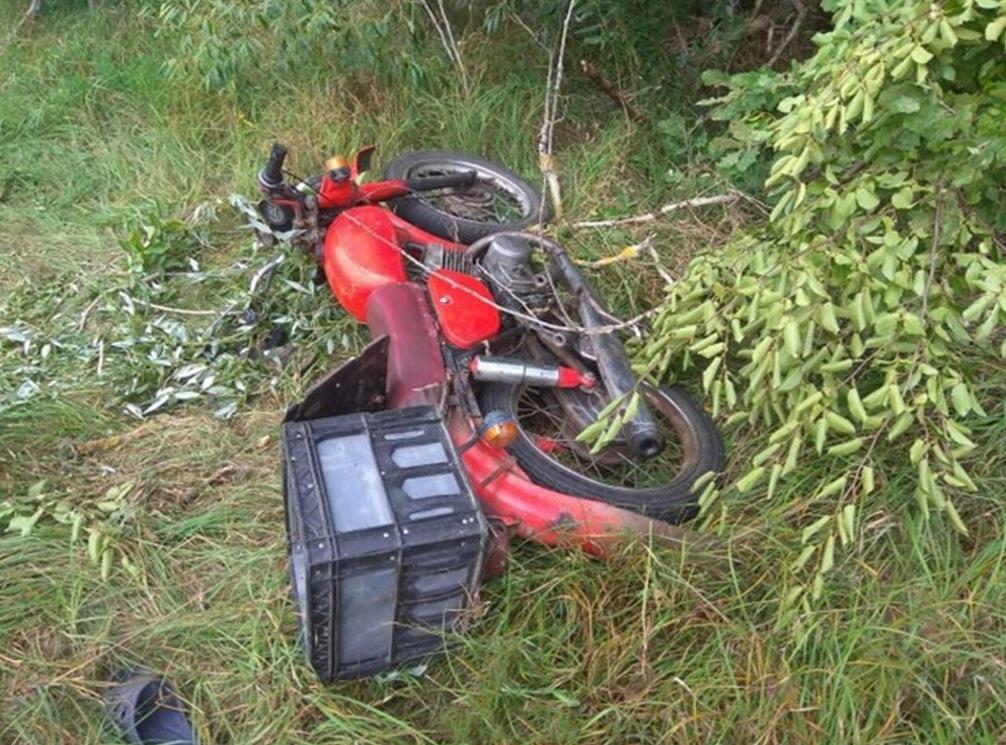 5 августа 2018 года. ДТП, после  которого погиб один человек,  случилось недалеко от д. Добрый Бор. Фото: gaibrest.by