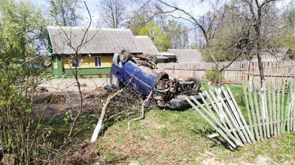 В Хотимском районе Fiat вылетел с дороги и перевернулся, погиб водитель-инвалид