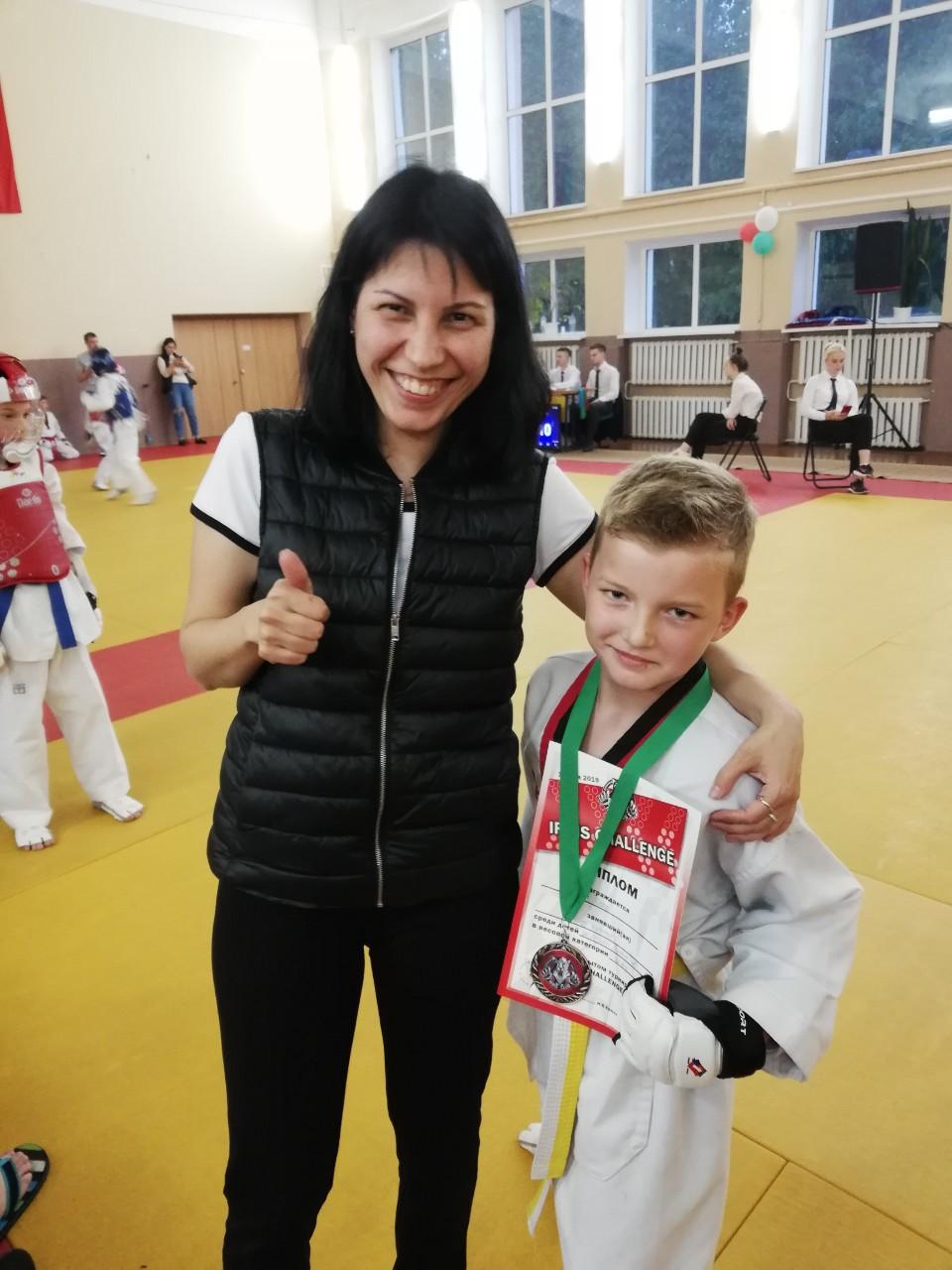 Аида Оразаева и Егор Выдрич.