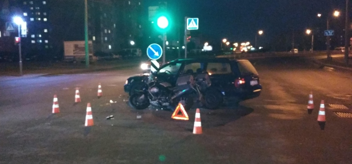 Автомобиль столкнулся с мотоциклом в Гродно, мотоциклист в больнице