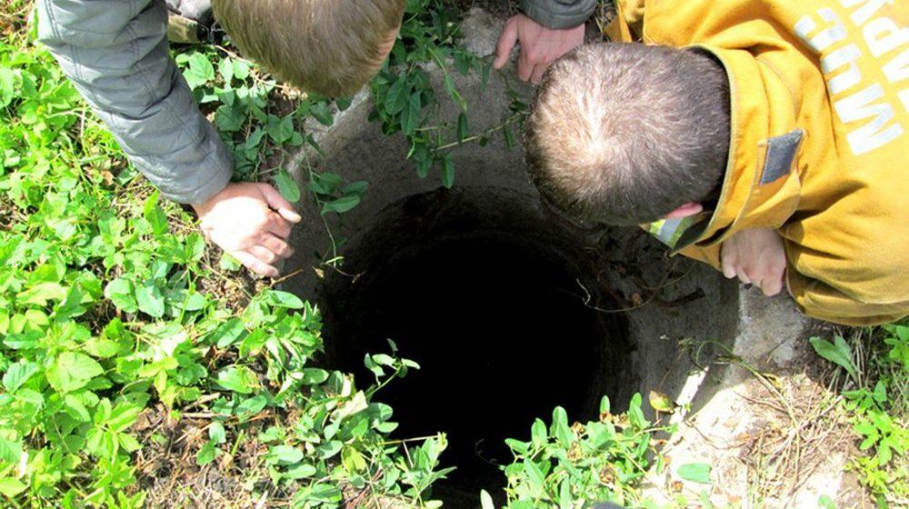 В Калинковичском районе 4-летний мальчик упал в технический колодец и утонул