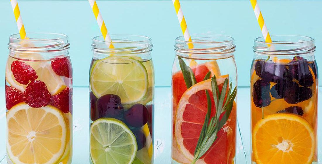 Пейте это в жару: медики рассказали о самых полезных напитках
