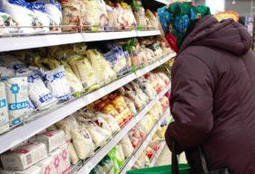 Цены на капусту взлетели в 4 раза, на лук и пшенку – в 2. Какие продукты больше всего подорожали за год?
