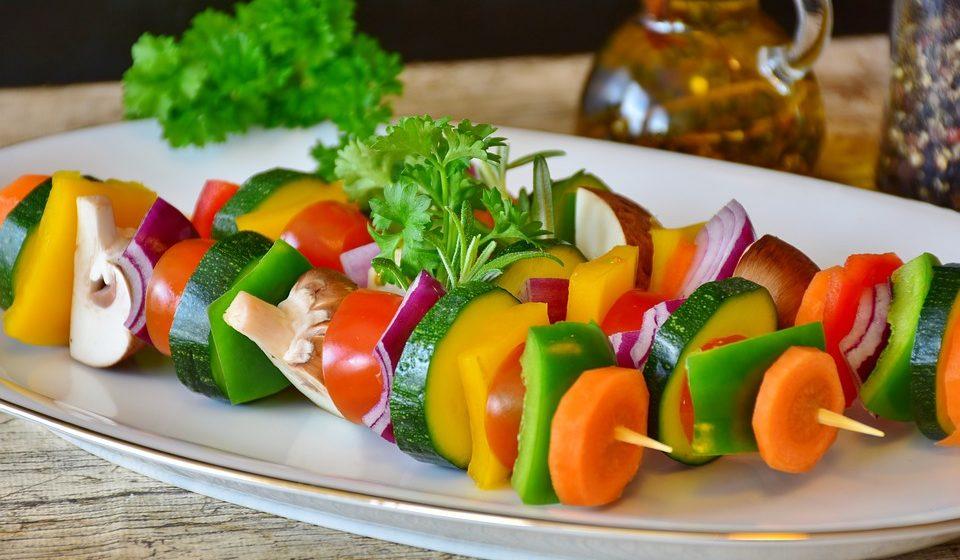 Как охладиться с помощью еды в жару