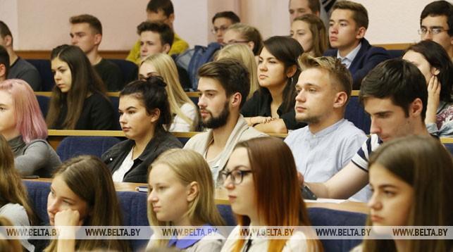 Белорусские вузы будут обучать по-английски