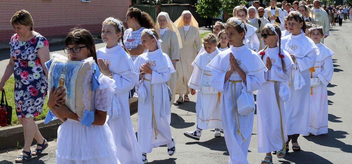 Крестный ход со святыми дарами прошел в Барановичах. Фоторепортаж