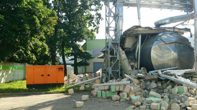 На «Мостовдреве» произошел взрыв — разрушено здание