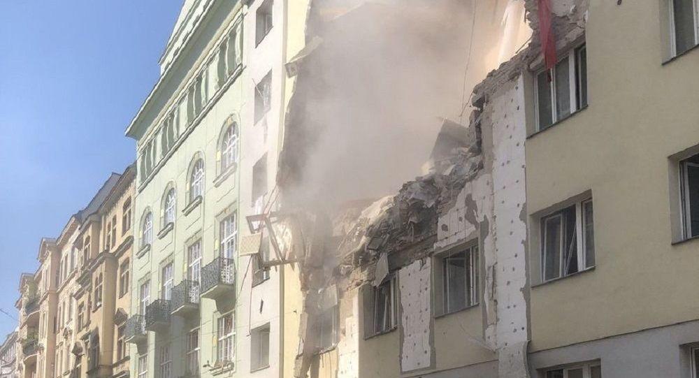 Мощный взрыв прогремел в пятиэтажке в Вене – обрушилась часть дома. Фото, видео