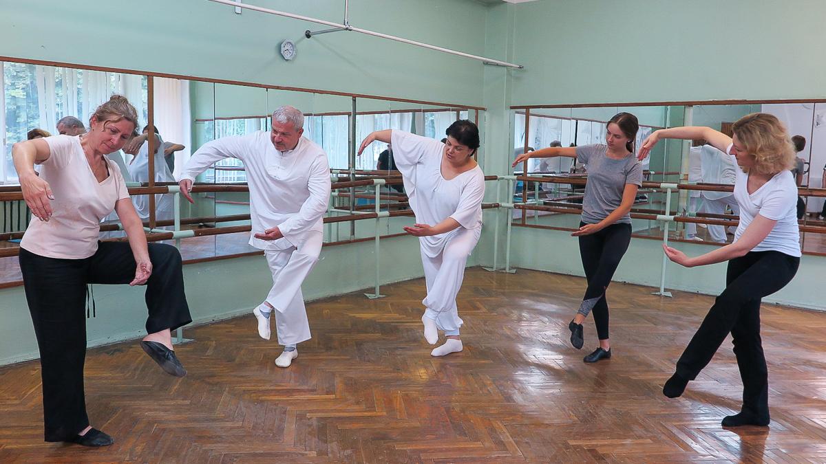 Уже 11 лет Татьяна Житко проводит в Барановичах занятия по йоге Самадева. Фото: Ирина ПЛЮТО