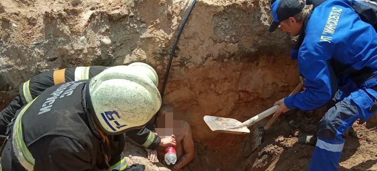 Мужчину засыпало грунтом во время прокладки трубопровода в Жодино