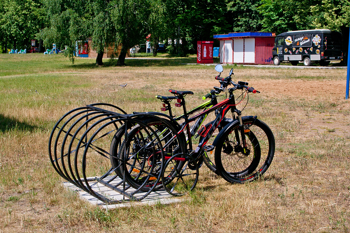 Парковка для велосипедов. Фото: Евгений ТИХАНОВИЧ