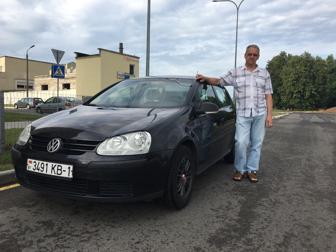 Андрей Бубен – владелец автомобиля Volkswagen Golf V 2007 года выпуска.  Фото: Екатерина БУБЕН