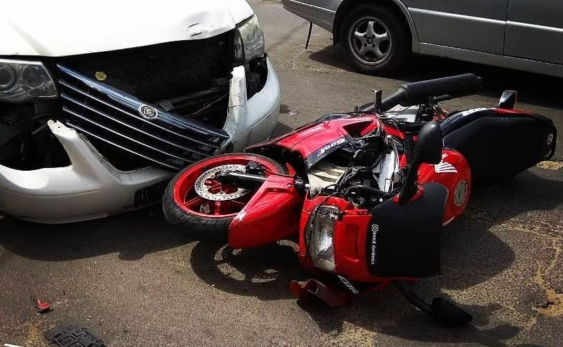 Мотоциклист на Honda столкнулся с автомобилем Chrysler в Барановичах