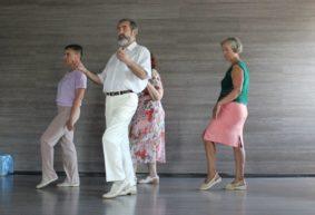 «Если человек пришел на танцы, значит, он не простой обыватель». Как в Барановичах танцуют те, кому за 60