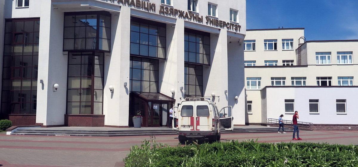 Абитуриенты рассказали, как сдавали белорусский язык на ЦТ в Барановичах
