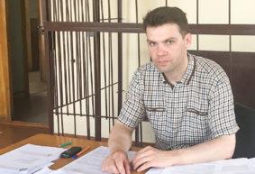 Житель Барановичей, который второй год судится за право на высшее образование, добился отмены решения местного суда
