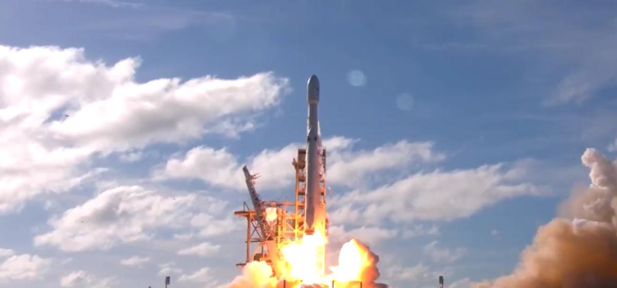 SpaceX похоронит в космосе 152 человека