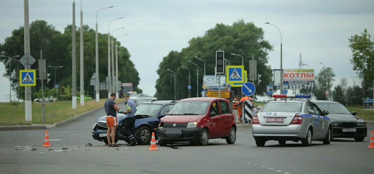 Еще одно ДТП произошло в Барановичах на перекрестке, где не работают светофоры