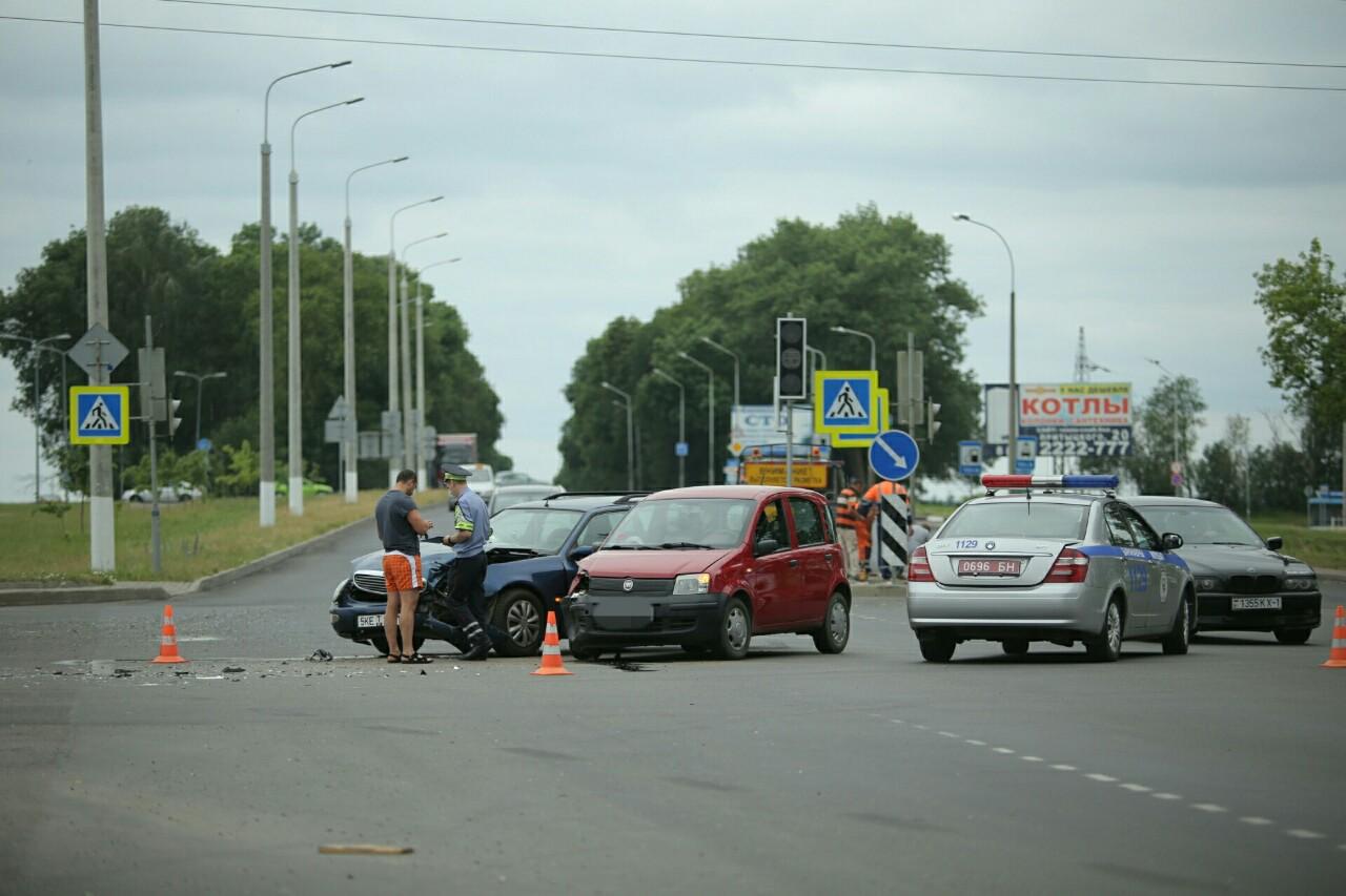 ДТП на перекрестке  проспект Советский улица Доменикана. Фото: Александр КОРОБ