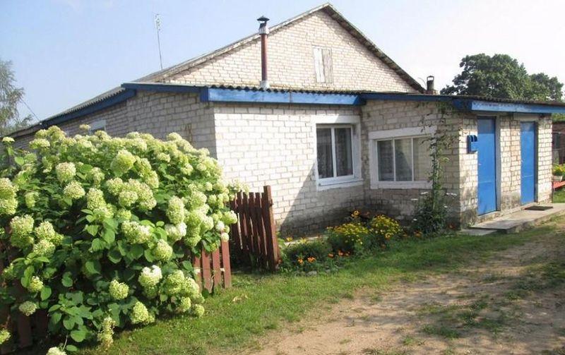Дом в деревне Кореневщина Ляховичского района.
