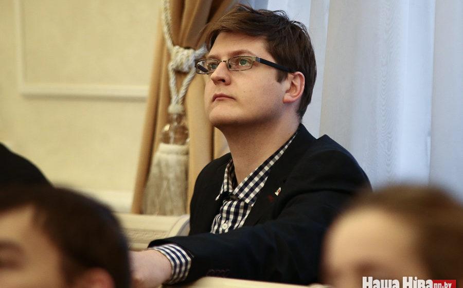 Привластный эксперт Петровский: Не отслужил в армии — не имеешь права поступить в вуз. Сам я в армии не служил