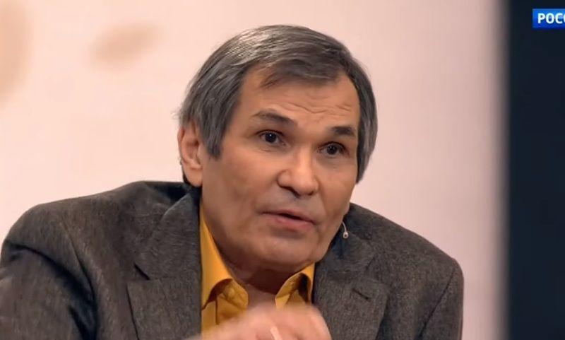 Опубликовано видео с пришедшим в сознание Бари Алибасовым