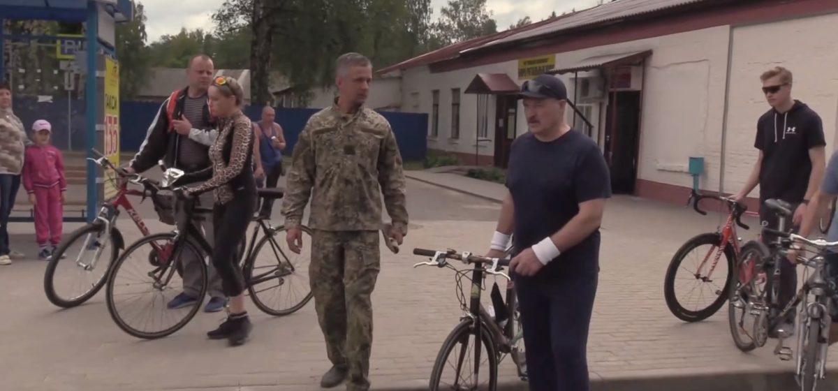 Рама — карбон, цена около 7 тысяч евро. На каких велосипедах катался Лукашенко и его сын