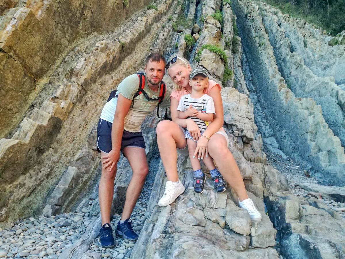Светлана Мазго с супругом и сыном Артемом. Фото: личный архив