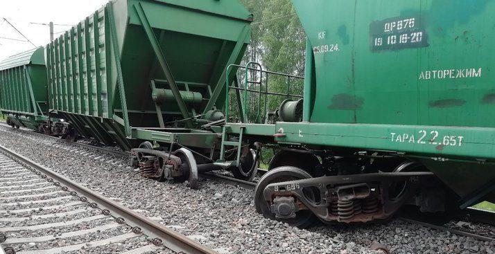 Семь вагонов сошли с рельсов под Крупками, поезда в направлении Орши задерживаются