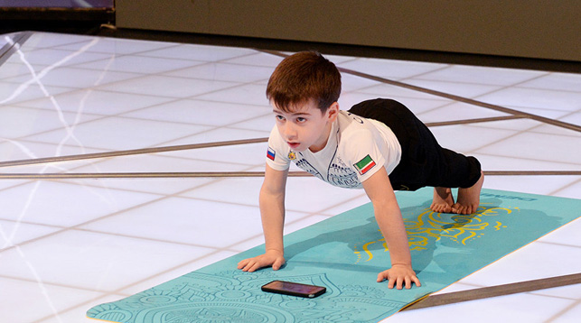 Шестилетний мальчик из Чечни побил два мировых рекорда по отжиманиям