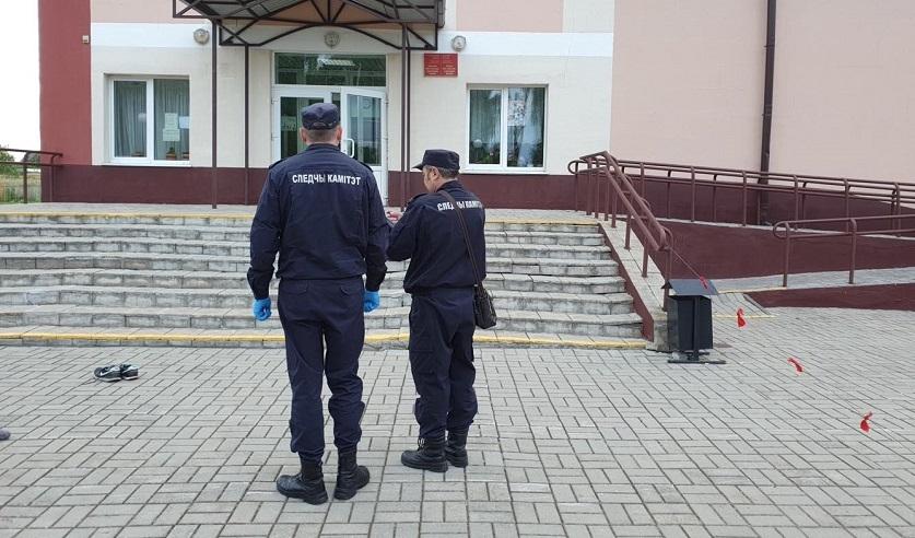 На деревенской дискотеке в Бобруйском районе пьяный 18-летний парень зарезал мужчину