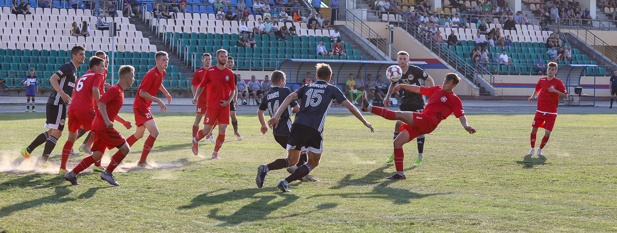 С каким счетом разгромили ФК «Барановичи»?