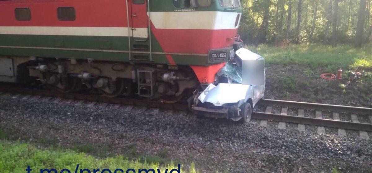 Под Быховом поезд раздавил Nissan – водитель погиб