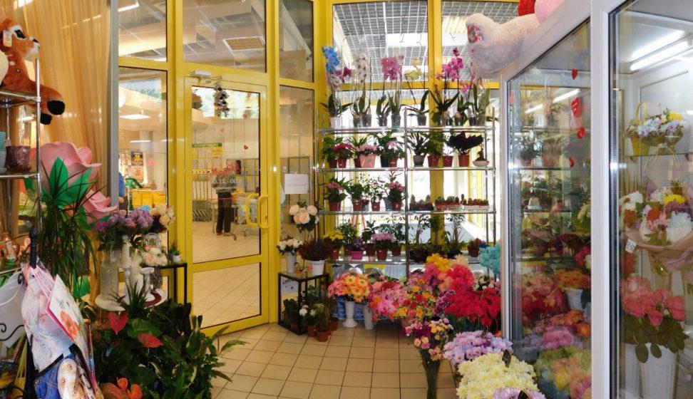 В Новополоцке мужчина ограбил цветочный магазин, требуя 1 рубль