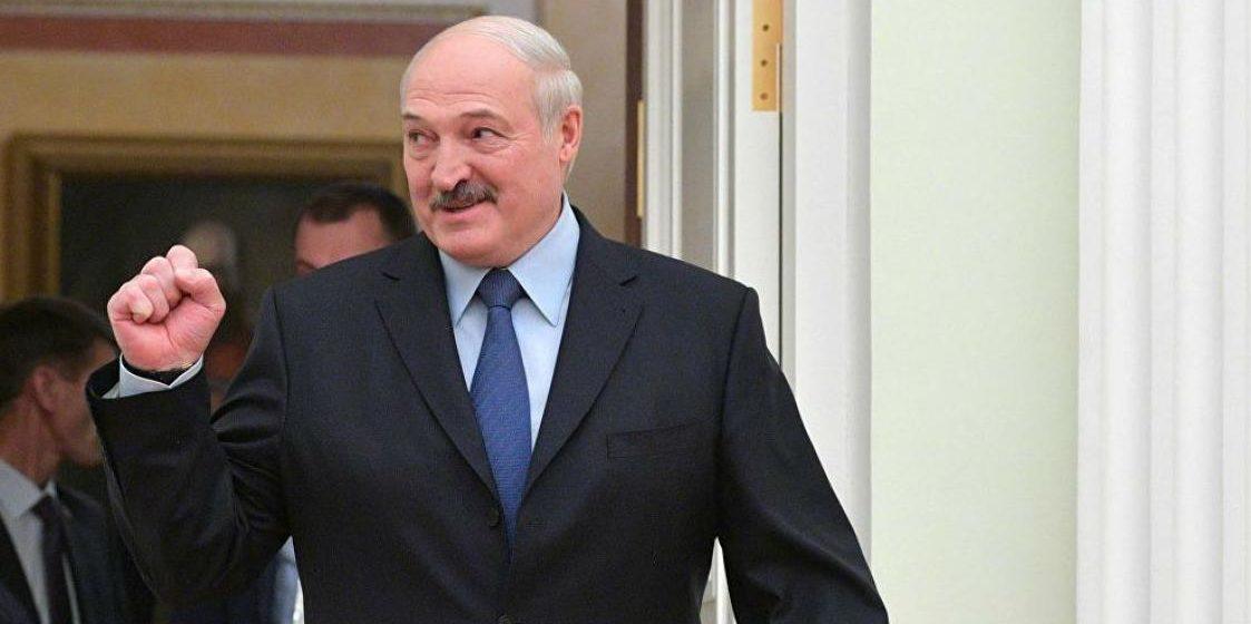 Лукашенко пообещал вернуться на Валаам с топором, пилой и косой. Видео