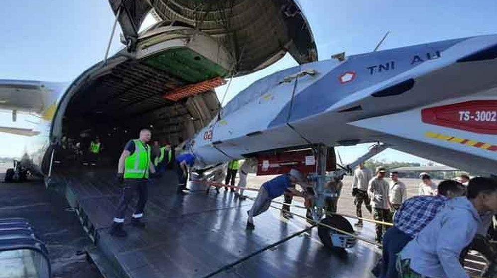 Два истребителя, которые ремонтировали в Барановичах, доставили в Индонезию. Фотофакт