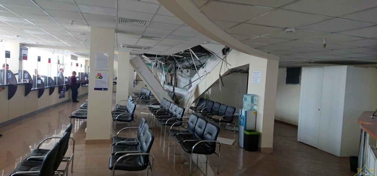 Обрушился потолок в литовском визовом центре в Минске