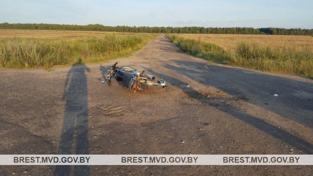 ДТП в деревне Маково Ганцевичского района. Фото УВД Брестского облисполкома