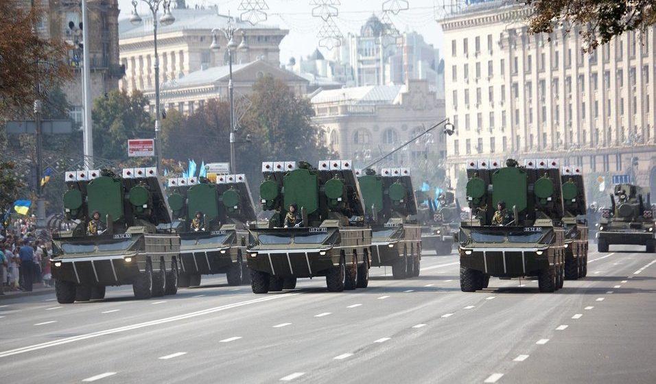 Зеленский отказался от парада в День независимости и отдаст деньги военным
