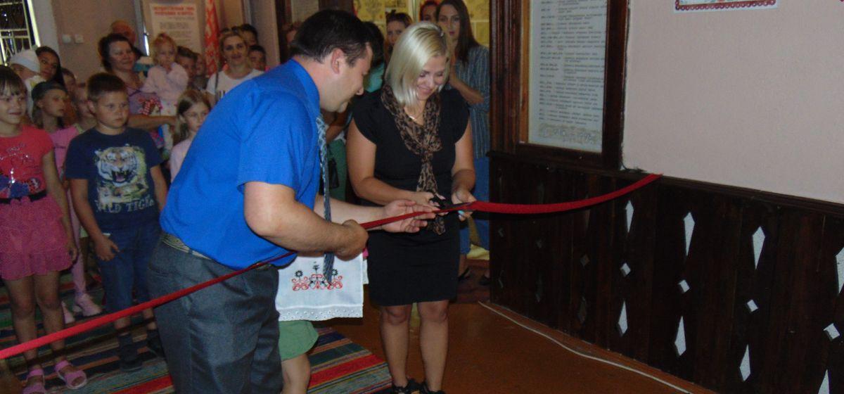 Новые выставки открылись в Центре ремесел в Русино. Фотофакт