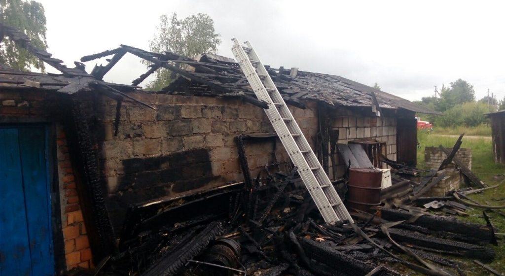 Несколько гаражей горели в Барановичском районе