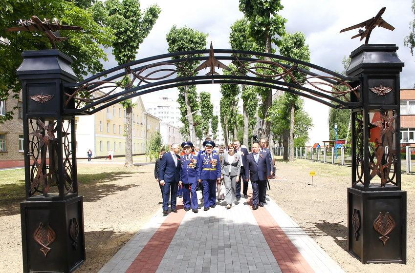 Аллею Авиаторов торжественно открыли в Барановичах