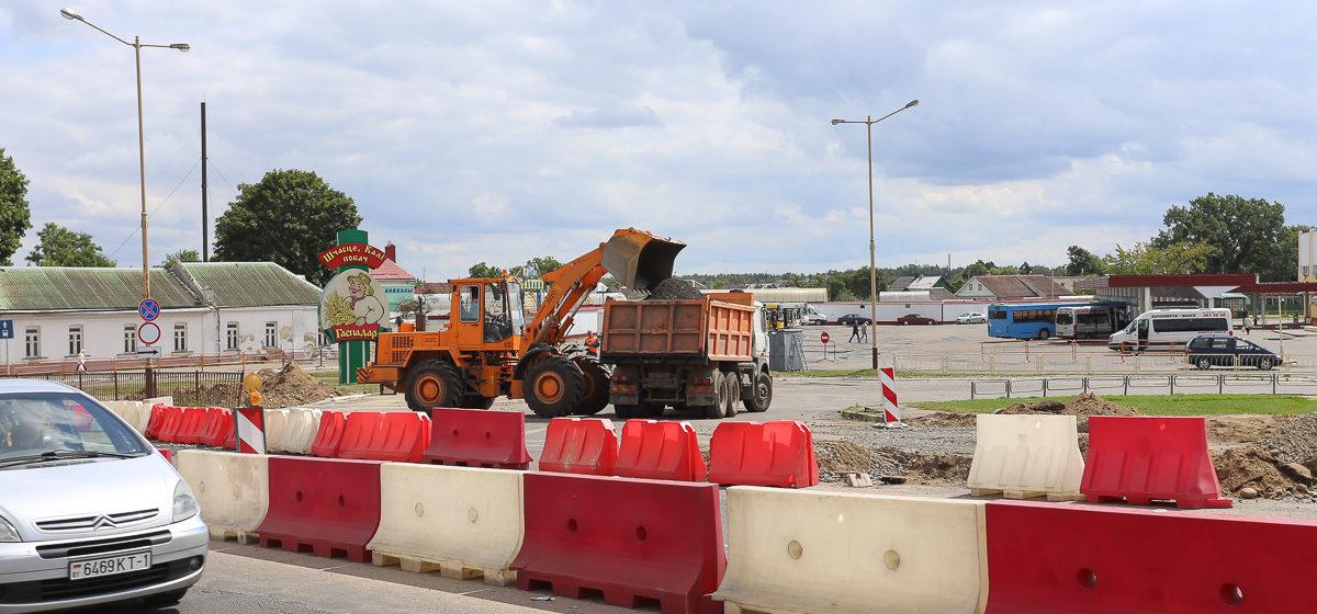 Закрыли съезд с моста на улице Ленина в Барановичах. Как организован объезд. Фото