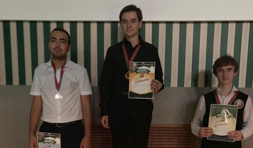 Барановичские мастера бильярда заняли весь пьедестал чемпионата области