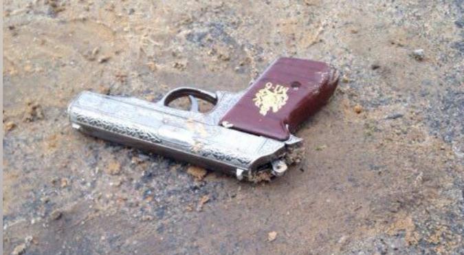 В Лельчицах мужчина пришел с пистолетом-зажигалкой в магазин и забрал спиртное