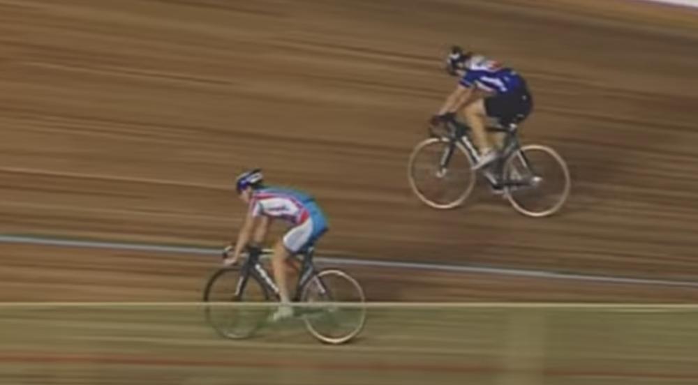 Кусок доски с трека насквозь пробил 17-летнего велогонщика в Бельгии (фото 18+)